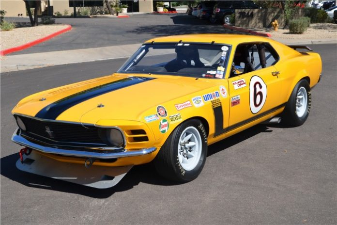 1970 Ford Mustang Boss 302 Fastback A/S Race Car - Front view