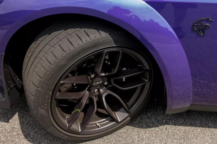 2019 Dodge Challenger SRT Hellcat Redeye - wheels and tires
