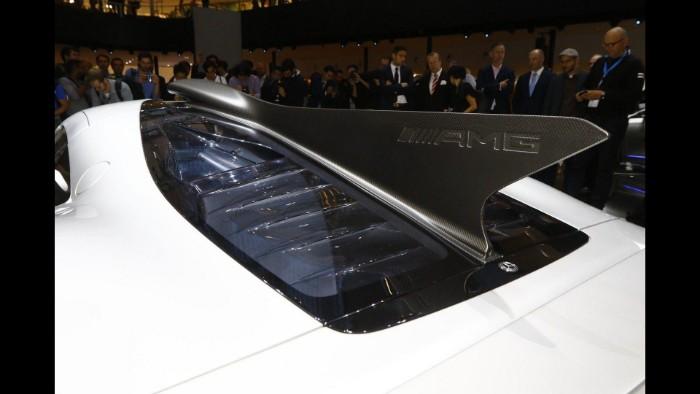 Mercedes-AMG One - spine fin