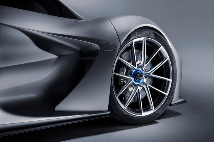 Lotus Evija fully-electric hypercar - wheel