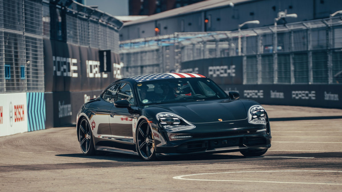 2020 porsche taycan debuts at 2019 new york city e prix